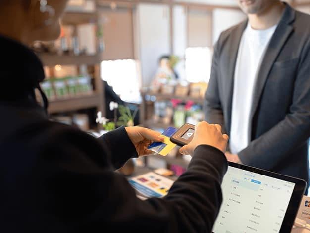 共通ポイントが使えるおかけでお客様の来店頻度が高まっています