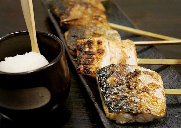 IKORUでは、肉ではなく珍しい魚の串焼きをご用意しております。